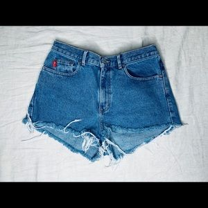 Vintage high waisted guess denim shorts.
